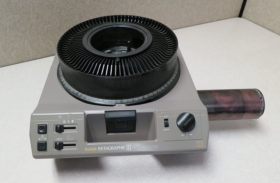 35mm slide projector with 80-slide tray